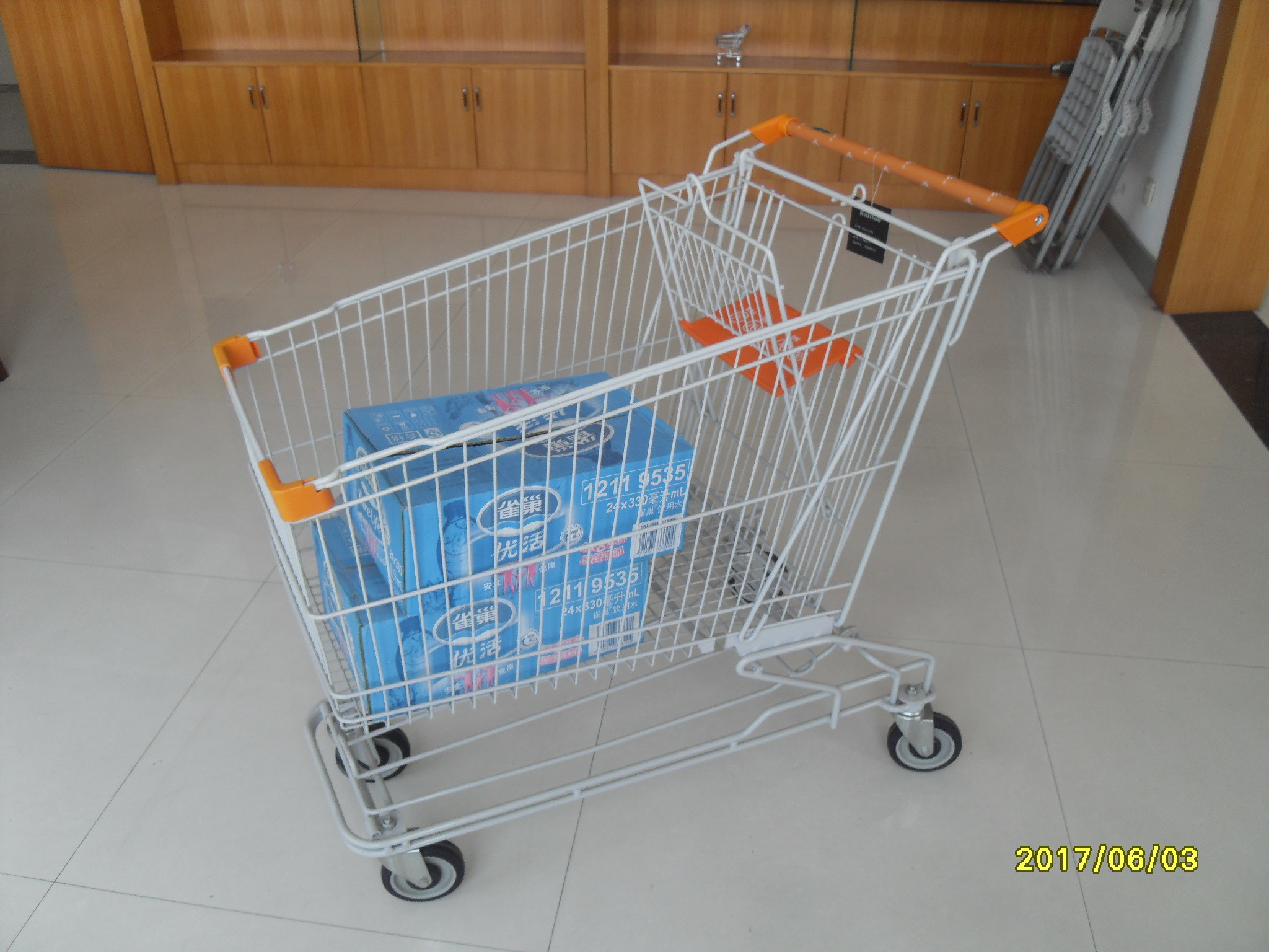 Asian Style 180L Supermaket Wire Shopping Cart Trolley With Normal plastic