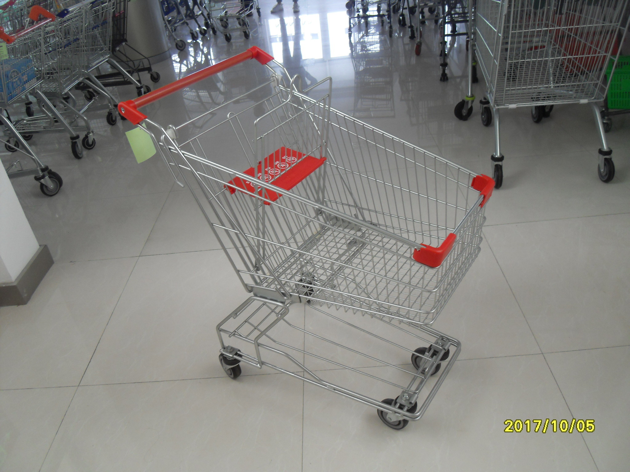 Heavy Duty Wire Shopping Carts With Wheels / Red Plastic Parts 80L